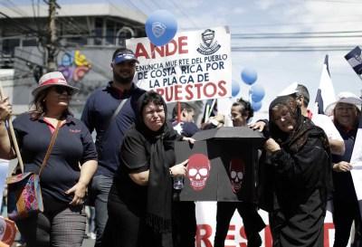 Las reformas fiscales que asfixian a los latinoamericanos