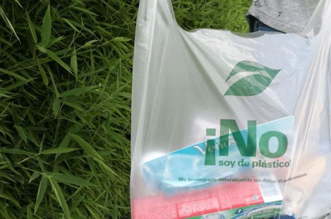 en-uruguay-fabricaran-bolsas-plasticas-que-se-convierten-en-abono