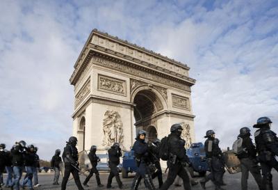 Otro sábado negro en París dejó más de 1.000 detenidos entre los