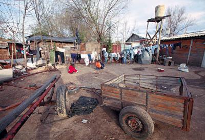 La pobreza alcanzó el 32% en Argentina, la cifra más alta desde 2001