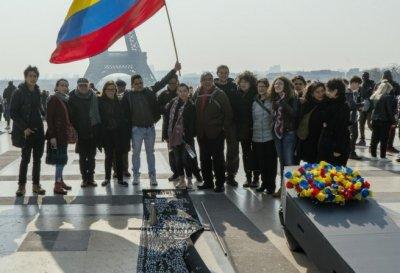 Colombianos marchan hacia La Haya en busca de justicia