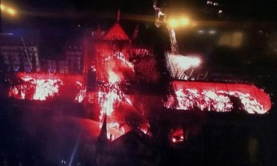 devastador-incendio-consumio-la-catedral-de-notre-dame