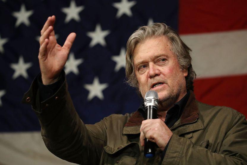 gettyimages 886626122 - Trump decide perdonar a última hora a Steve Bannon, su exjefe de asesores acusado de fraude