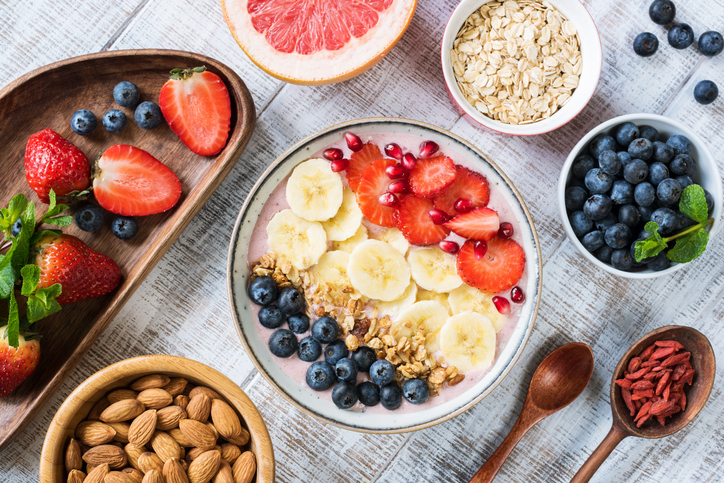 4 basic ingredients to create healthy and easy breakfast combinations all week