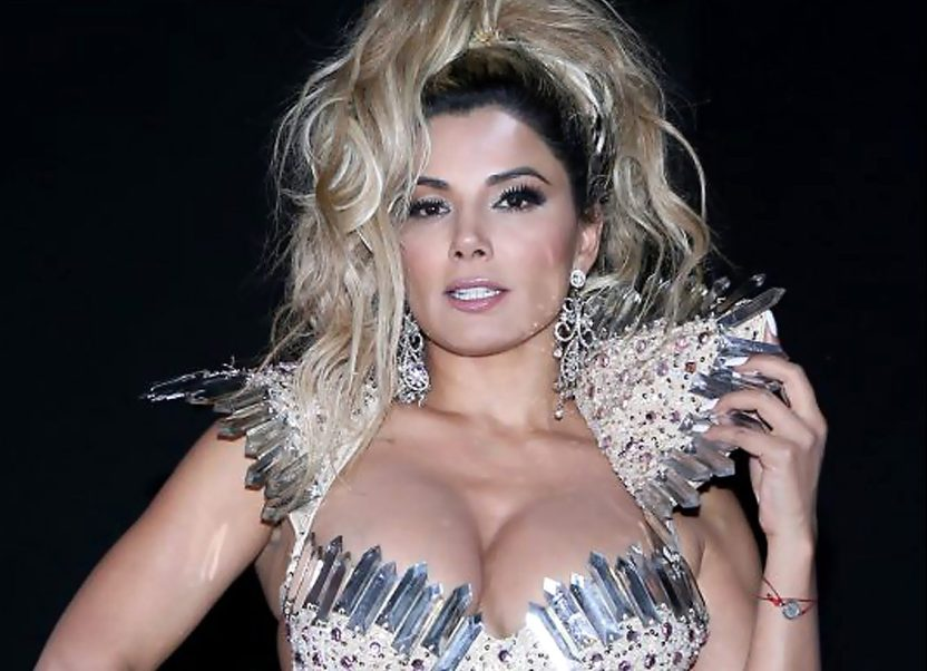 9592 aleidanunez002 e1572551273969 - Aleida Núñez roba miradas con entallados leggins y recatado vestido