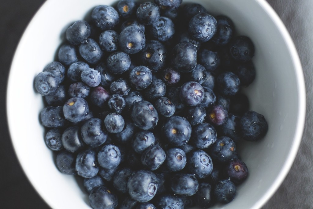 5 best fruits to fight stomach inflammation