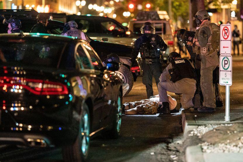GettyImages 1228263942 - El sospechoso de un tiroteo mortal en Portland resultó muerto durante su arresto