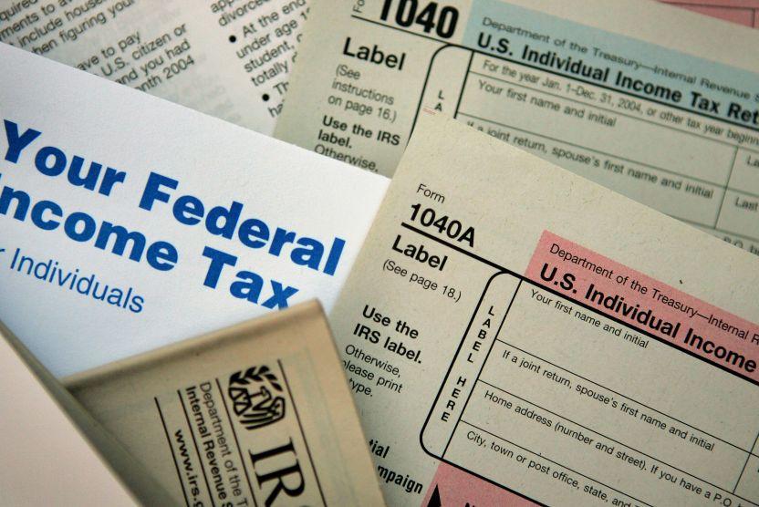 gettyimages 56043648 2 1 - Qué es exactamente una presentación impositiva al IRS y cómo calcula el reembolso de impuestos