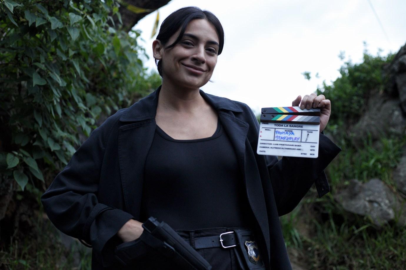 "Ana Brenda Contreras jest Edith Mondragón w ""Toda La Sangre"" Pantayi."