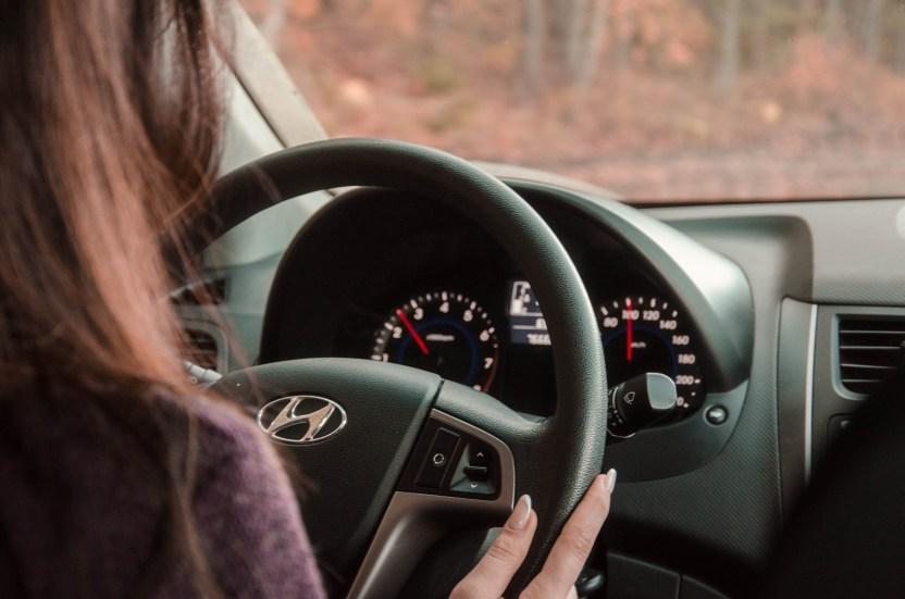 behind the wheel car - Licencia de conducir en California: por qué debo presentar una prueba de manejo