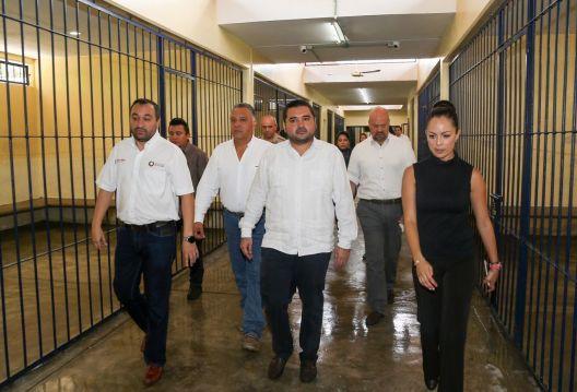 Detienen al Secretario General del Ayuntamiento de Cancún
