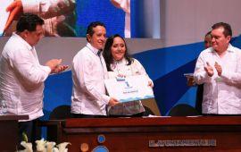 """""""Voy a seguir trabajando incesantemente para recuperar la grandeza de nuestro municipio"""": Cristina Torres"""