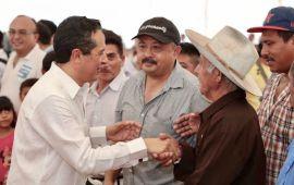 Se invierten 18.6 millones de pesos, con el fin de obtener una producción agrícola con valor de 346 millones de pesos, para que las familias rurales vivan mejor: Carlos Joaquín