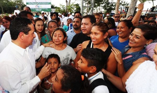 Con transparencia y rendición de cuentas, se combate a la corrupción: Carlos Joaquín