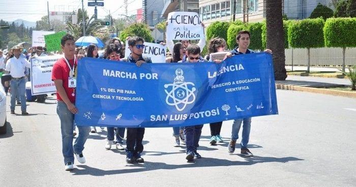 Marcha Ciencia y Tecnología