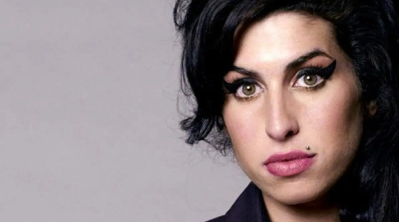 Amy Winehouse, la estrella que sigue brillando a través de tiempo