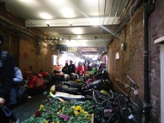 A shoddy photo of this hidden market.. with so many people, it's hard to get a good shot