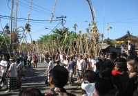Uniknya Tradisi Mekotekan Di Bali