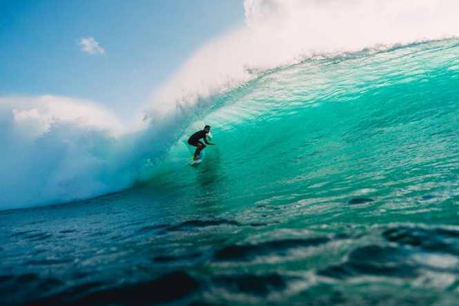 5 Tempat Belajar Surfing di Bali