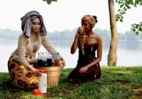 5 Gaya Berpakaian Perempuan Jawa Yang Mulai Ditinggalkan