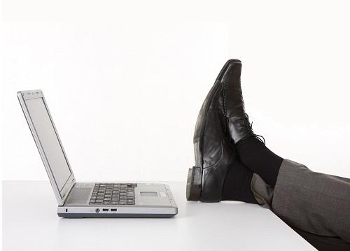 15 Cara Agar Terlihat Serius Bekerja Walau Sedang Menganggur