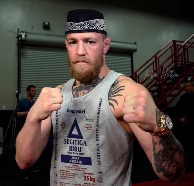 McGregor jadi lebih syariah ya sekarang