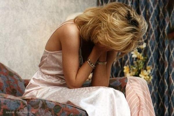 6 Kesalahan Ketika Menghadapi Perempuan Yang Bersedih