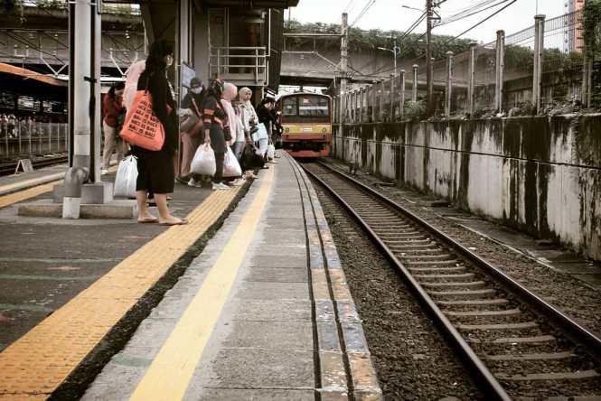 Jadwal Kereta Rangkasbitung Tanah Abang terbaru tahun 2020.