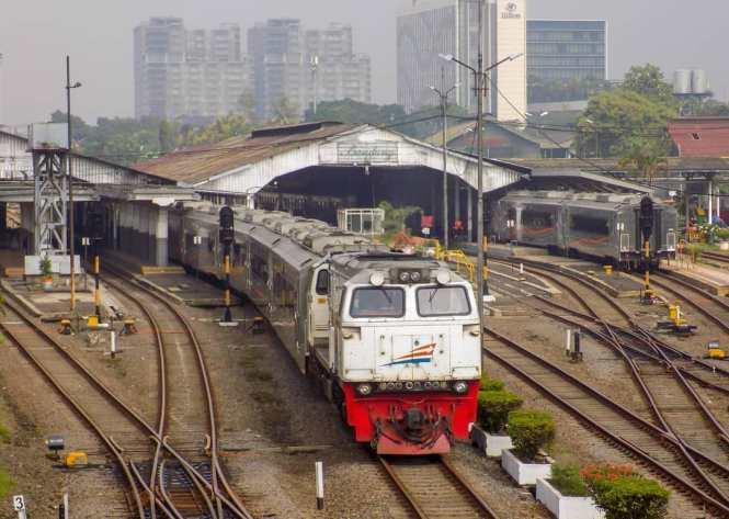 List Kereta Api Indonesia Terlengkap Terbaru