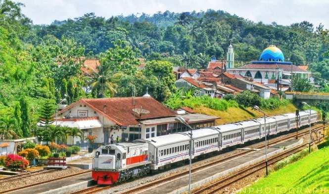 Sejarah Stasiun Pasar Senen Jakarta