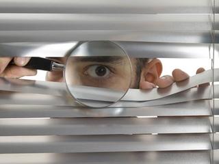 Aksi Spionase Dilakukan Secara Spontan!