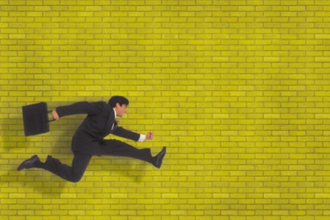 10 Hal Yang Dihadapi Fresh Graduate Ketika Baru Pertama Kali Kerja