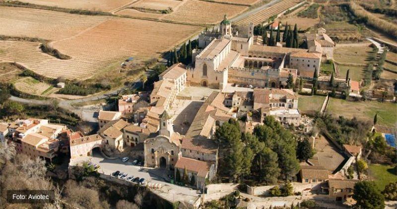 Vista aeria del conjunt arquitectònic del Monestir de Saantes Creus