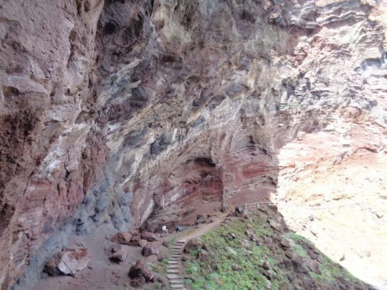 Höhle Nogales