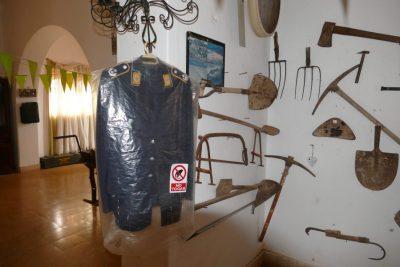 Uniform - Casa Winter