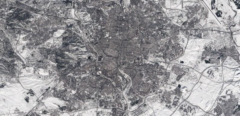 Estas impactantes imágenes aéreas demuestran cómo Madrid ha quedado completamente cubierta de nieve por la borrasca Filomena