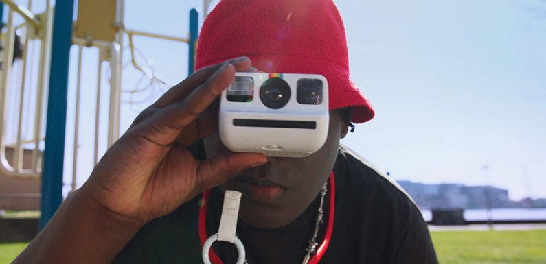 Polaroid Go, presentada «la cámara instantánea analógica más pequeña del mundo»