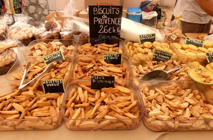 Biscuits sur le marché de Cassis