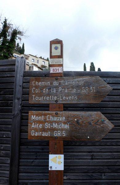 Panneau indiquant le Tour du Mont Chauve
