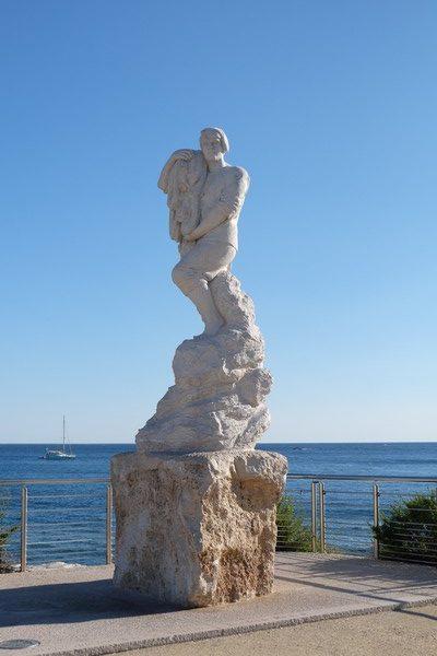Statue sur le Port de Cassis