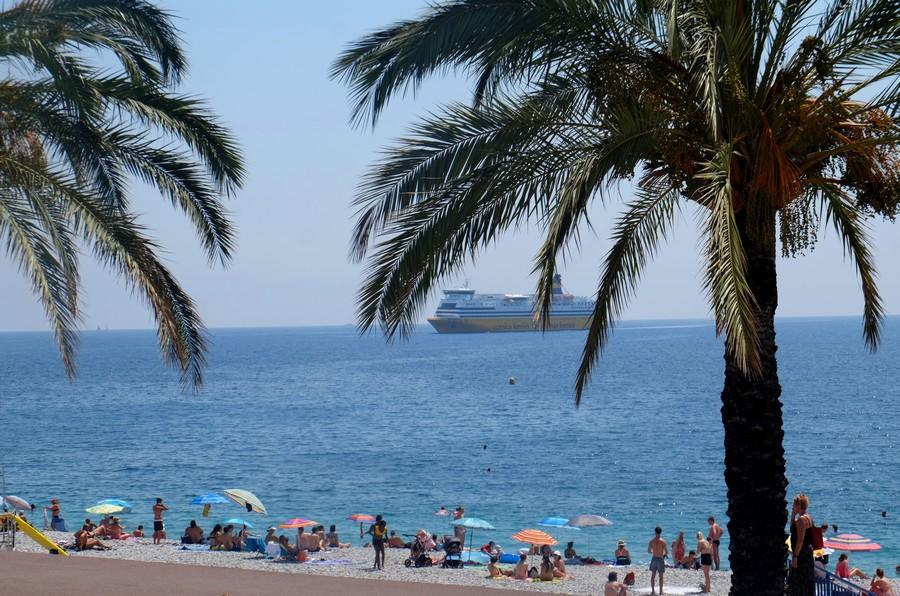 Restaurant près de la plage à Nice
