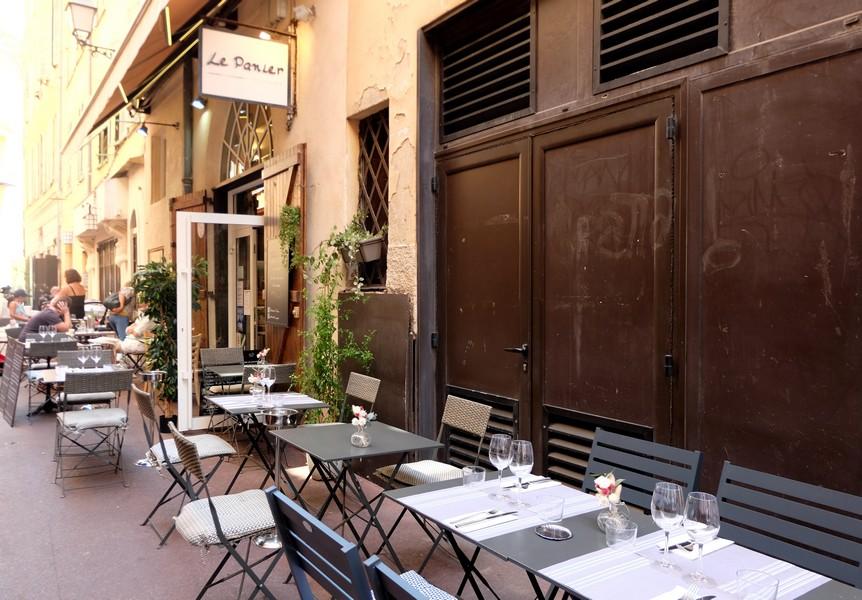 La terrasse du restaurant Le Panier à Nice