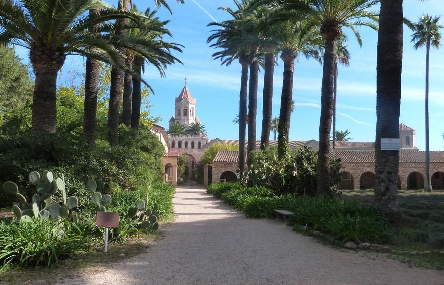 Visiter l'Île Saint-Honorat et son église