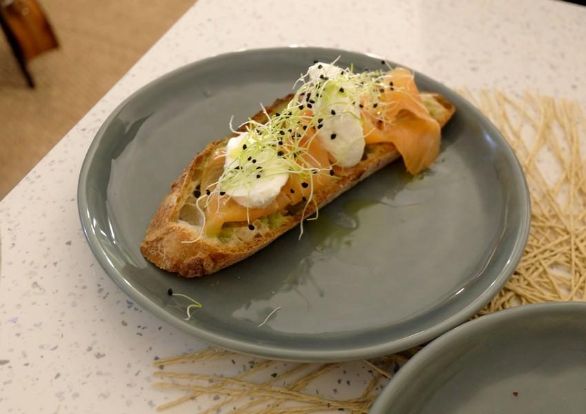 La tartine au saumon du Maranna Thé à Nice