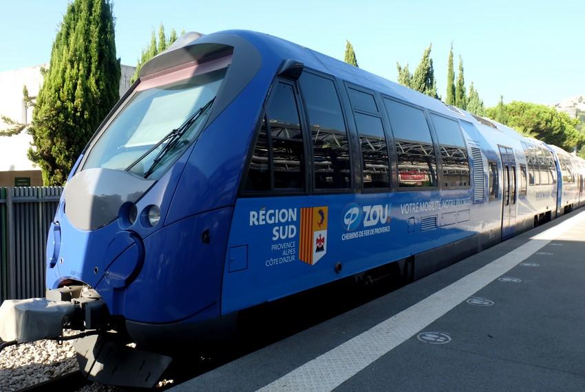 Train des Pignes qui relie Nice à Digne-les-Bains