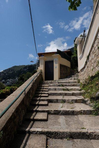 Montée vers le village de Roquebrune-Cap-Martin