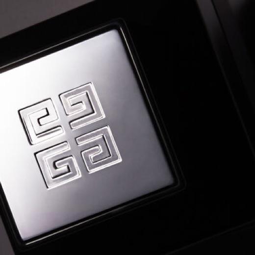 Un avis sur le parfum de Givenchy Accord Particulier, Collection Particulière. La boite du parfum privé.