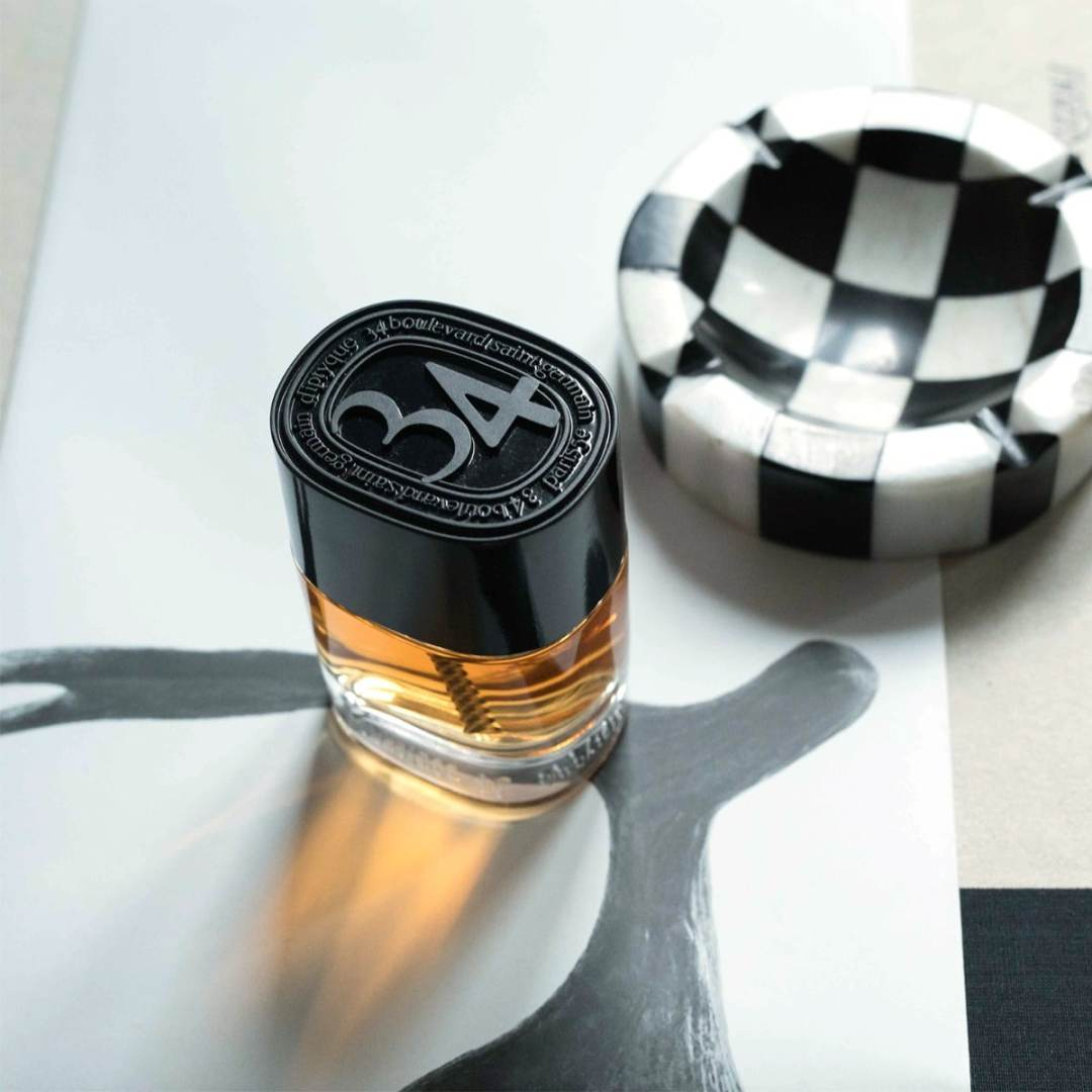 Vieille enseigne de la parfumerie, Diptyque peut se targuer d'un 34 boulevard Saint Germain ultra moderne