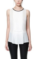 Camiseta blanca fruncido transparencias