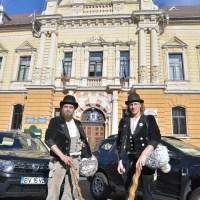 Calfele călătoare au ajuns la Primăria Brașov